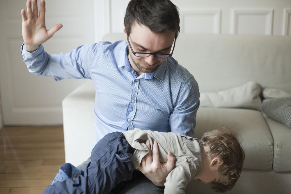 Почему нельзя бить ребенка