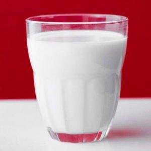 Почему ребенок должен пить коровье молоко