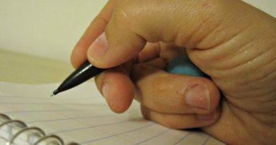 Научить ребенка держать ручку