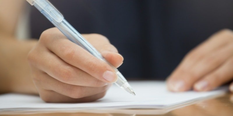 Как держать ручку при письме