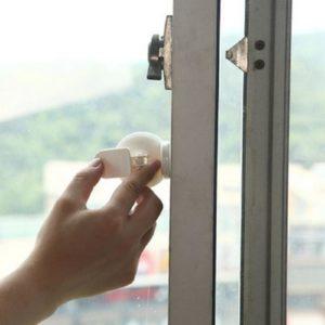 Защита от малыша на пластиковые окна