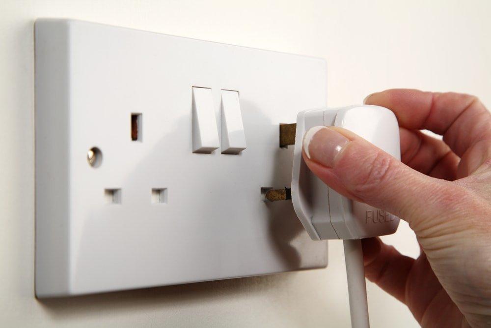 Защита ребёнка от электричества