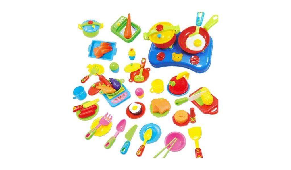 Набор игрушечной посуды и продуктов для детей