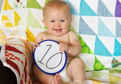 Что должен уметь ребенок в 10 месяцев?