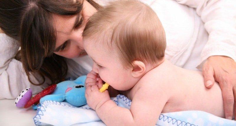 Как часто необходимо выкладывать ребенка на животик