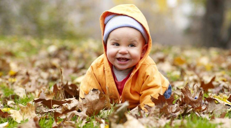 сколько можно гулять с новорожденным осенью