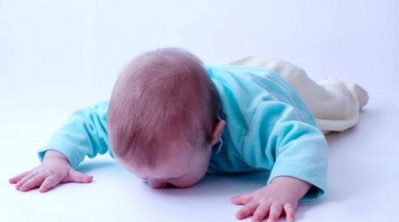 ребенок упал с кровати в 6 месяцев