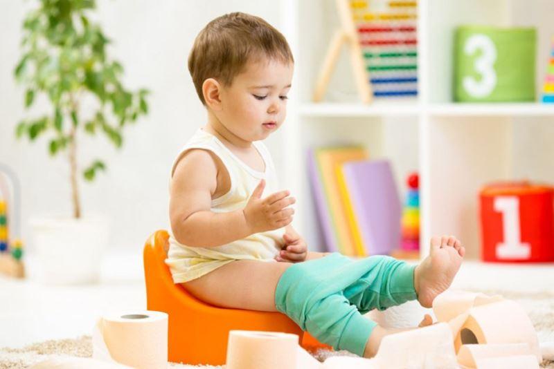 Во сколько лет отучать ребенка от горшка
