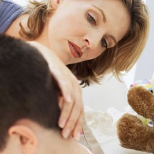 Как можно самостоятельно осмотреть шею ребенка