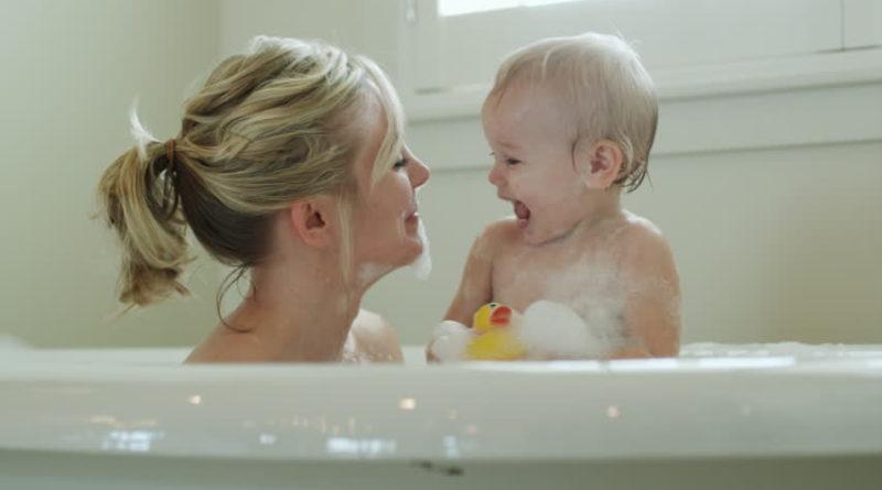 Совместное купание с ребенком
