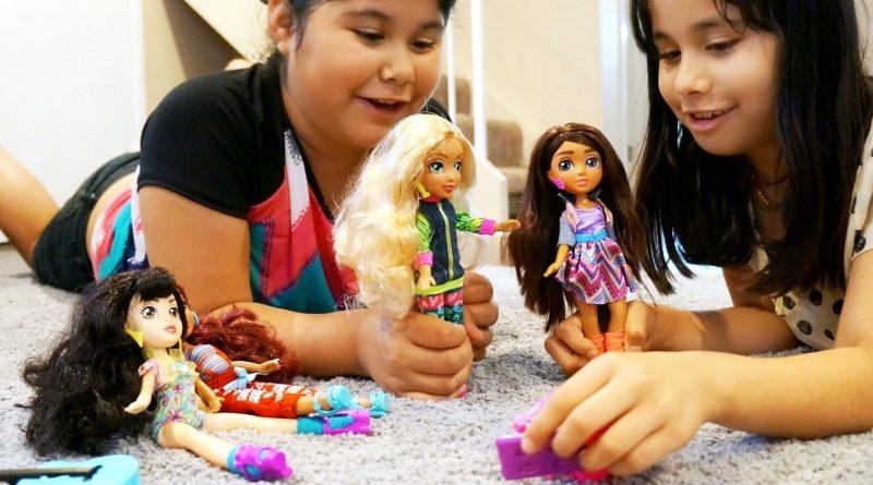 Играть в куклы
