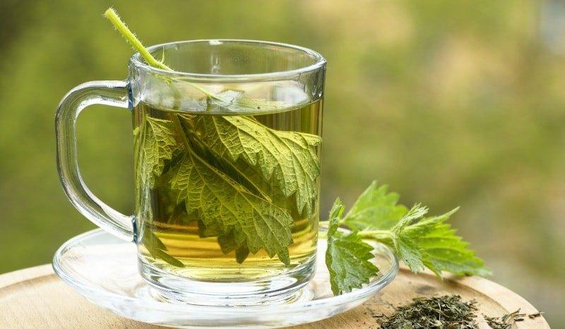 Травяные чаи в помощь маме