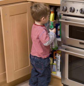 Защита от ребёнка шкафов и ящиков