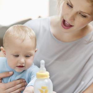 Когда отучать ребенка от бутылочки