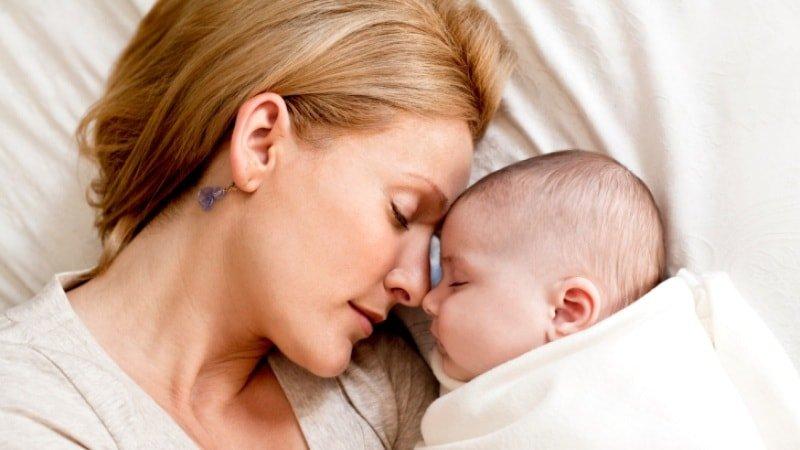 Как приучить ребёнка спать без укачивания