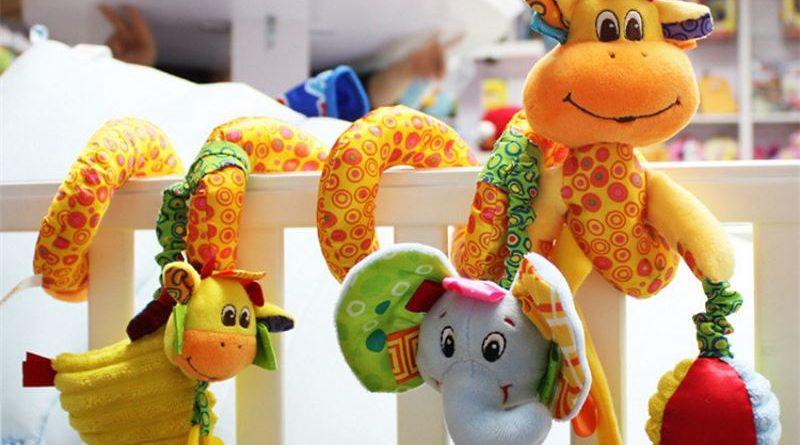 Какие игрушки нужны ребенку с рождения и до года