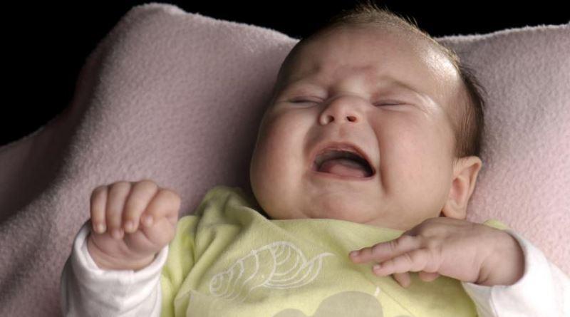 Почему ребенок плачет во сне Причины ночного плача у детей