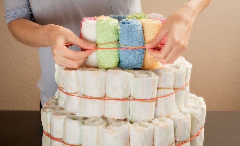 Трёхъярусный подгузниковый торт