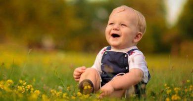 Одиннадцать месяцев ребенку. Календарь развития