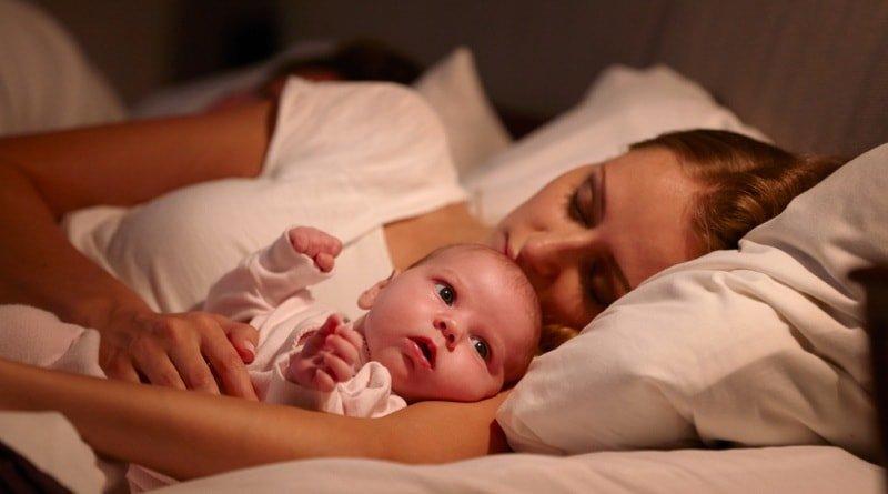 Почему 3-месячный ребенок плохо спит днем и ночью 2020