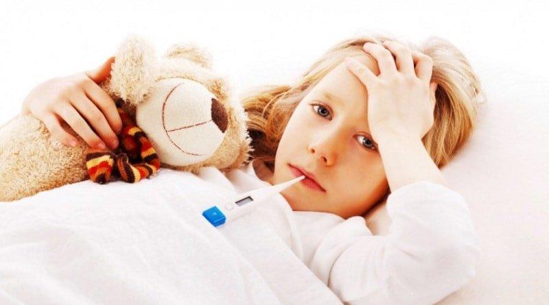 Что необходимо сделать, если ребенок получил солнечный удар