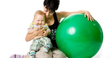 занятия на фитболе для новорожденных