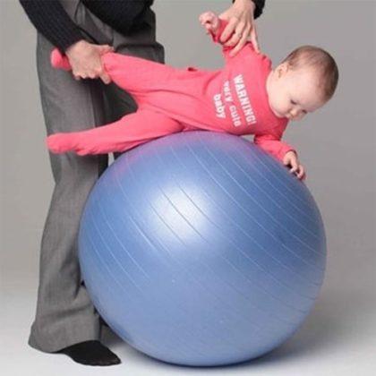 гимнастики на фитболе для грудничка