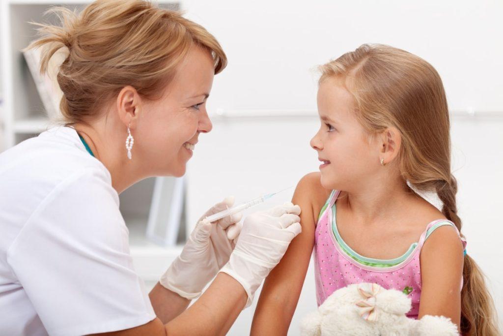 Нужна ли прививка от кори, краснухи и паротита?