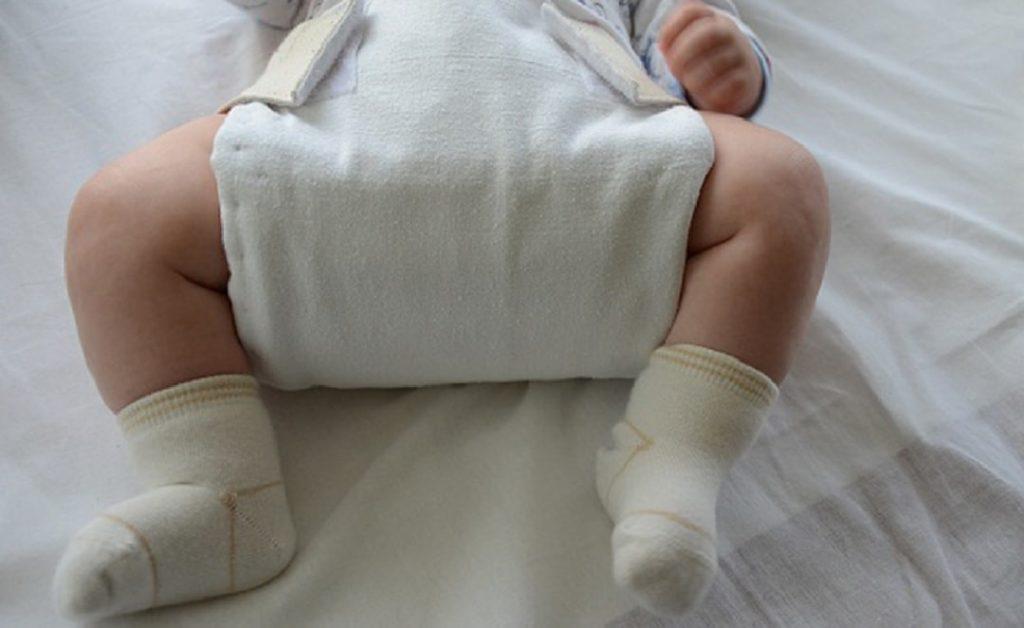 4 основных способа широкого пеленания ребёнка