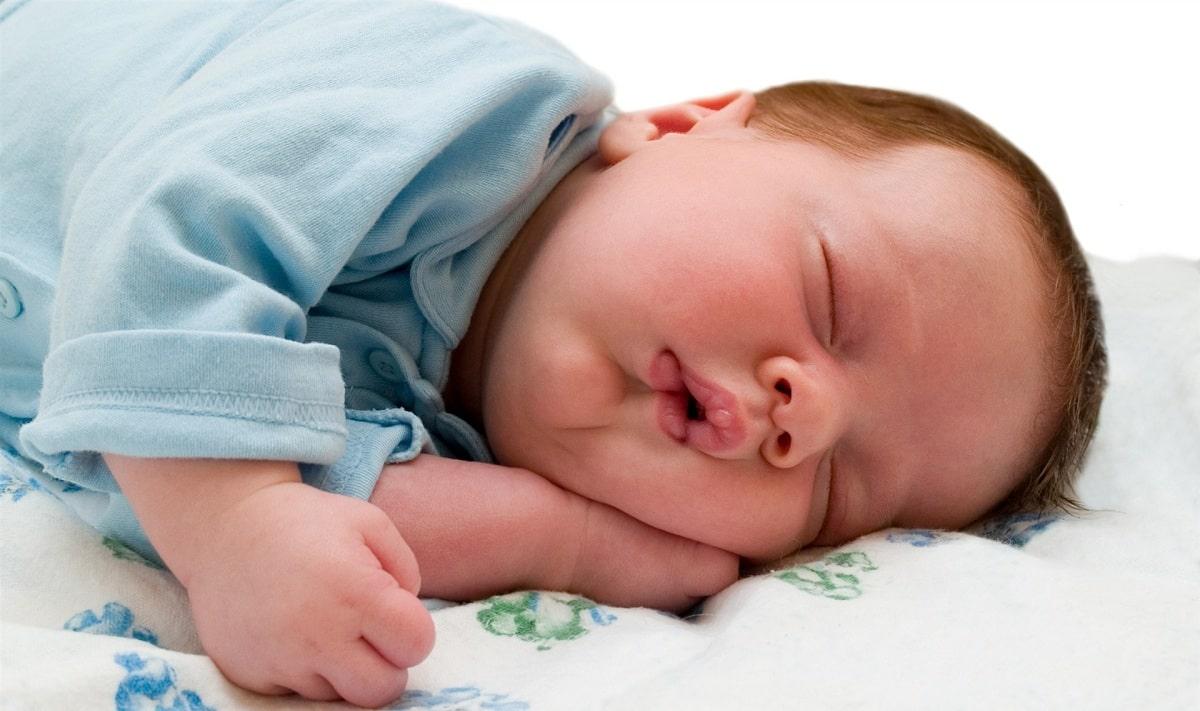 Почему ребенок храпит во сне ночью, а соплей нет