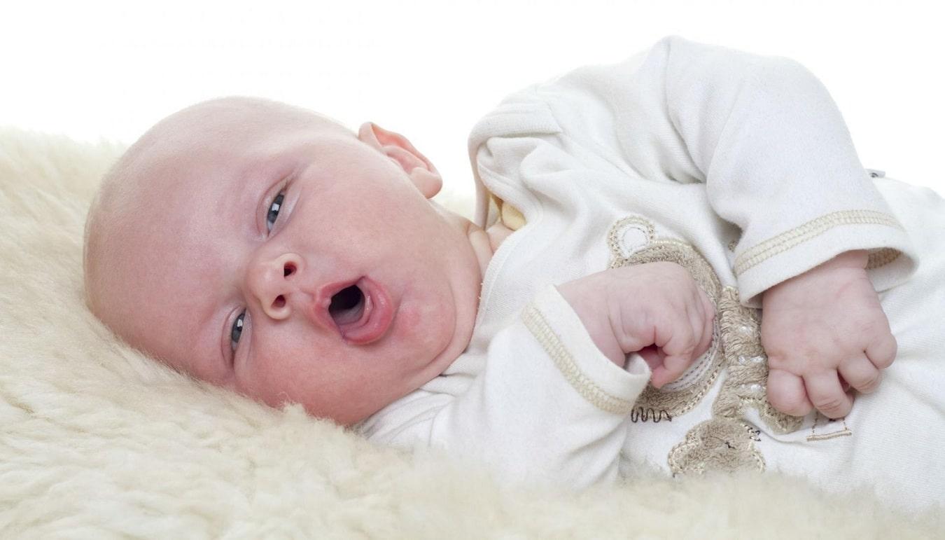 Врожденный стридор у новорожденных: симптомы, лечение, когда проходит