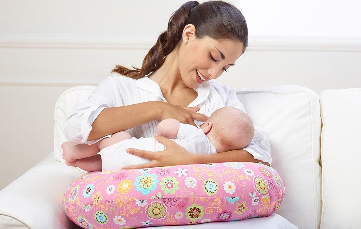 Приобретаем качественную подушку для новорожденных