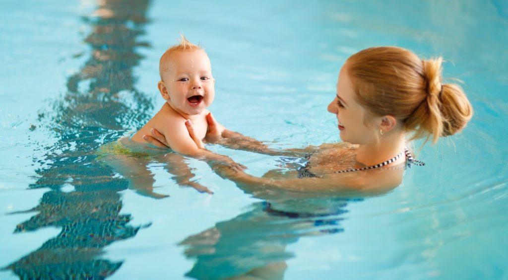 Плавание с грудным ребёнком