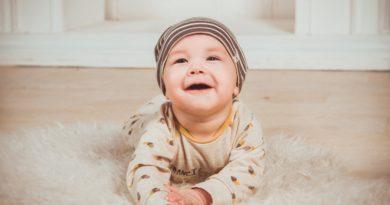 Режим дня ребёнка с рождения и до школы: соблюдать или нет?